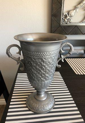 Vase for Sale in Riverside, CA