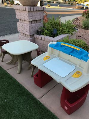Toy desk table & chairs for Sale in Phoenix, AZ