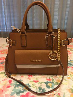 New Authentic Michael Kors Handbag with Shoulder Strap for Sale in Bellflower, CA