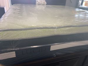 LUCID KING MATTRESS for Sale in Taylorsville, UT