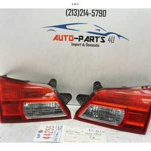 2010 2014 HYUNDAI LEGACY OUTBACK LEFT & RIGHT INNER TAIL LIGHT OEM 2011 2012 UF44255 for Sale in Paramount, CA