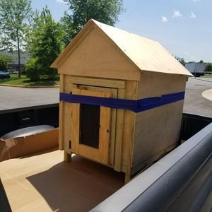 Dog house for Sale in Sudley Springs, VA