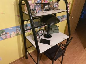 Desk & chair for Sale in Crestwood, IL