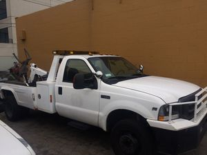 2004 Ford F-450 Tow truck wheel lift for Sale in Los Angeles, CA