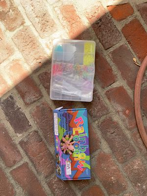 Rainbow loom kit with extra bands and case for Sale in San Diego, CA