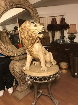 ANTIQUE TABLE LION WITH MATCHING MIRROR for Sale in Phoenix, AZ