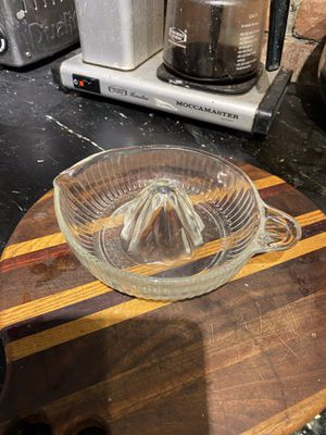 Heavy Glass Pyrex Juicer for Sale in Suffolk, VA