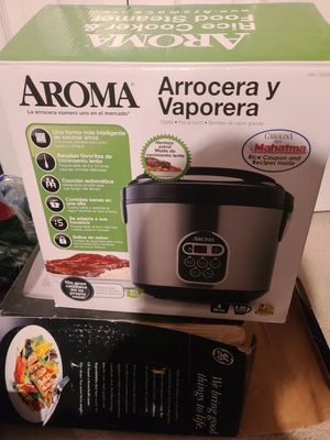 Aroma Housewares 2-8 Cup Digital Cool-Touch Rice Cooker & Food Steamer Stainless for Sale in Chelsea, MA