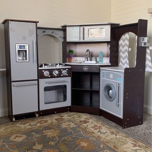 Kids Kitchen, Washer And Dryer + Various Pretend Food for Sale in San Luis Obispo, CA