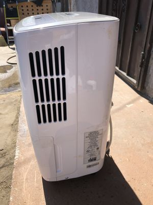 Dehumidifier 30 pints for Sale in Los Angeles, CA