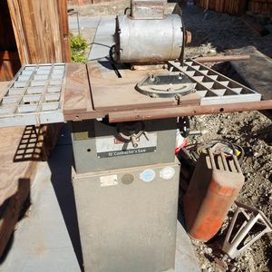 Vintage Table Saw for Sale in Desert Hot Springs, CA