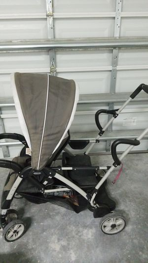 Graco Sit or Stand Double Stroller for Sale in VLG WELLINGTN, FL