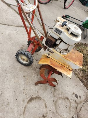 Dynamark 5:0 hp Briggs &Stratton engine forward and Reverse not working for part or fix it for Sale in Dearborn, MI