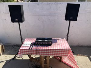 Peavey 100 watt 4 channel mixer with speakers. for Sale in Los Angeles, CA