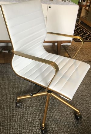 Gold/White Faux Leather Office Swivel Chair for Sale in New Rochelle, NY