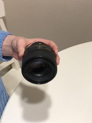Nikon Nikkor 85mm lens for Sale in Bellevue, WA