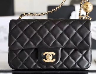 chanel leather shoulder bag / black / new for Sale in Manhattan Beach,  CA