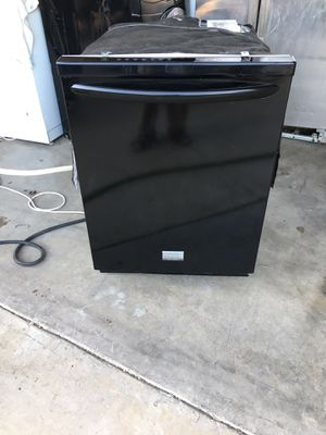 Frigidaire gallerie black dishwasher newer for Sale in Moreno Valley, CA