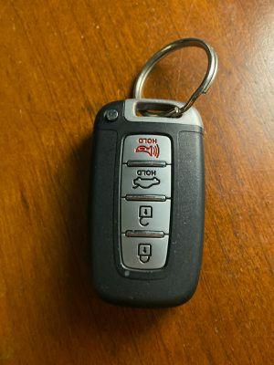Hyundai sonata 2013 key fob for Sale in Miami, FL