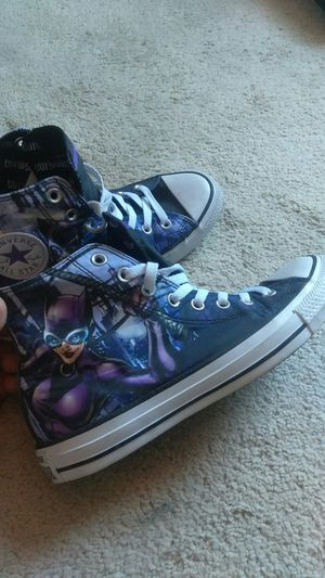 Tenis UNISEX Converse All ⭐Star CATWOMAN size Mensaje 7.5 Wo's 9.5 for Sale in Rockville, MD