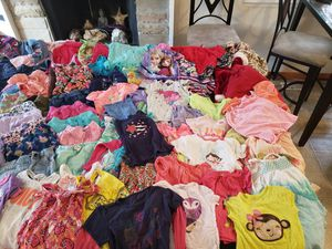 3T baby girls clothes 142 pieces dresses jeans leggings sleepwear good condition for Sale in Bolingbrook, IL