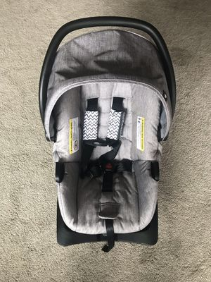 Evenflo baby car seat for Sale in Auburn, WA