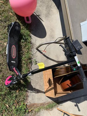 Little girls electric scooter for Sale in Tallahassee, FL