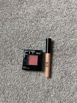 Concealer and blush for Sale in Moreno Valley, CA