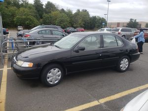 Nissan altima gxe manual 1999 for Sale in Sterling, VA