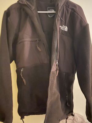 Large Brown north face for Sale in Saugus, MA
