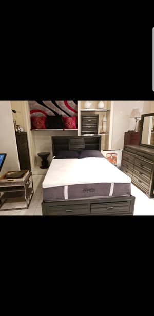 Queen storage bed and 2 nightstands for Sale in Charleston, SC
