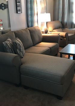 Chaise Sofa And Recliner Set for Sale in East St. Louis,  IL