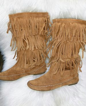Womens Size 7 brown fringe boots for Sale in Chandler, AZ
