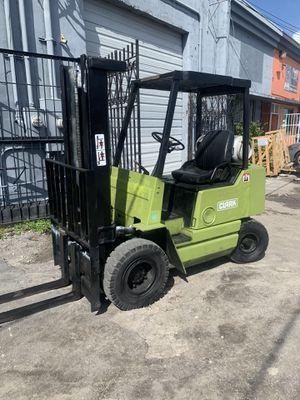 4K lbs. Clark Forklift for Sale in Miami, FL