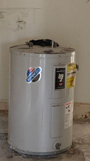 Water heater for Sale in Miami Shores, FL
