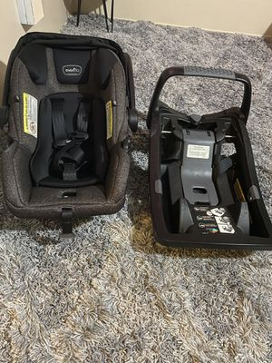 EVENFLO Dark Gray Baby Car Seat for Sale in Bakersfield, CA