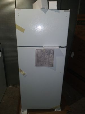 ==Brand new in box. White GE 17.5 Cu. Ft. Top-Freezer Refrigerator (can deliver for free;(;;(:*::* for Sale in Claremont, CA