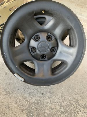 Jeep OEM wheels with caps for Sale in Tamarac, FL