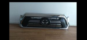 2012 2013 2014 2015 TOYOTA TACOMA GRILL CHROME OEM for Sale in Los Angeles, CA