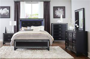 4 PC BEDROOM SET NEW IN BOX for Sale in Pompano Beach, FL
