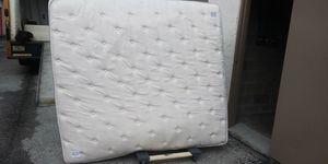 King size liquidation mattress for Sale in New Port Richey, FL
