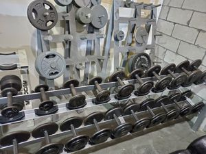 5-50lbs dumbbell set with rack for Sale in Pompano Beach, FL