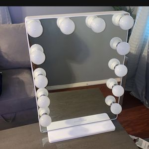 Impression Vanity Mirror for Sale in San Bernardino, CA