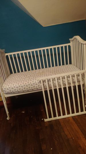 Crib/toddler bed for Sale in Eau Claire, WI