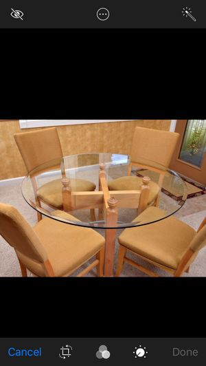 Dining Room Glass Table w/ 4 chairs for Sale in Louisa, VA
