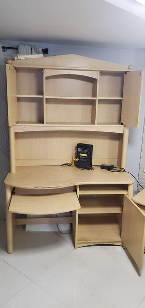 Mueble de computadora y para guardar libros for Sale in Miami, FL