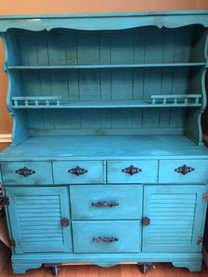 Antique china cabinet for Sale in McKinney, TX