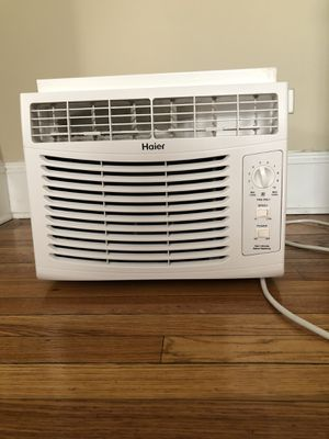 Haier Window AC Unit for Sale in Chicago, IL