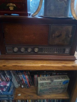 Antique general electric clock radio for Sale in Scappoose, OR