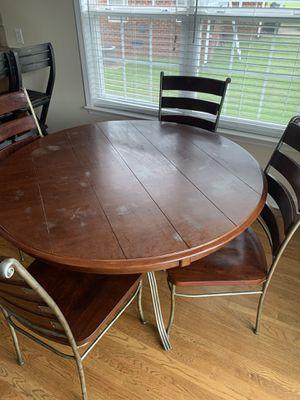 Breakfast table set has a little wear but in great shape just heat spot for Sale in Rockvale, TN